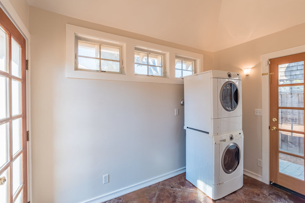 Laundry Room Santa Cruz Real Estate Agent