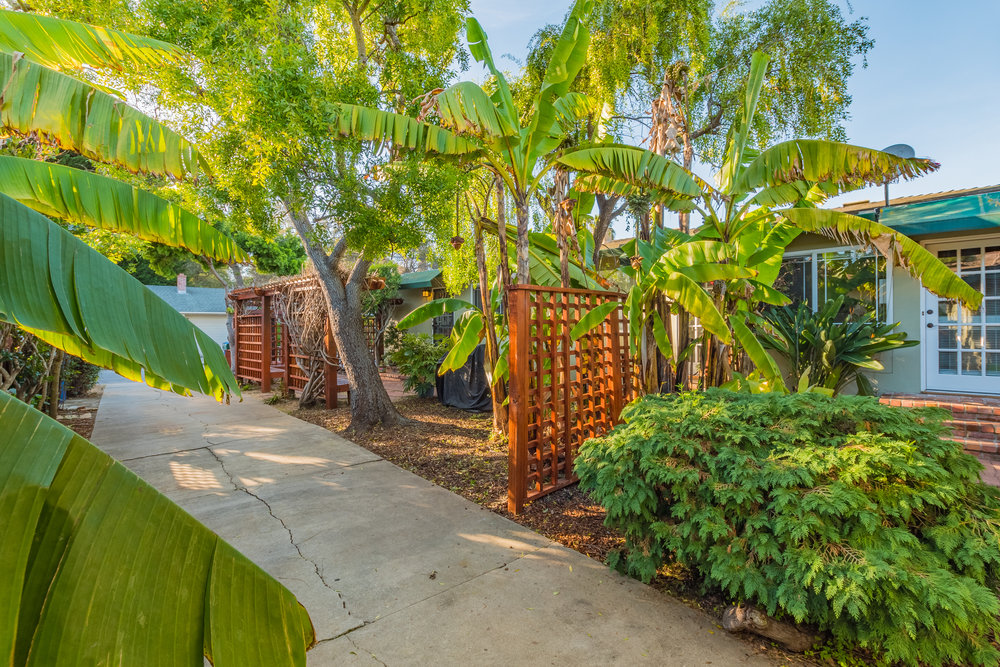 Well Maintained Yard and Property in Capitola.jpg