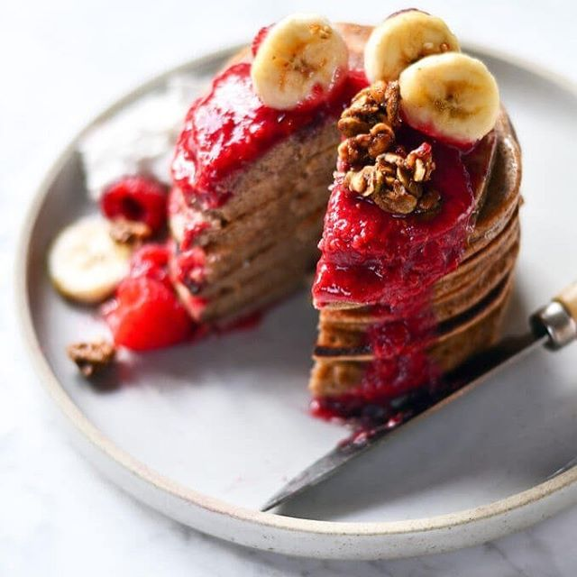 Magic paleo blender banana pancakes. 😍 🍌 We're obsessed with this Paleo breakfast by @paleoglutenfreeeats. Want the recipe? Check out our post for 11 Best Paleo Pancakes for a Grain Free Breakfast. Link in bio!