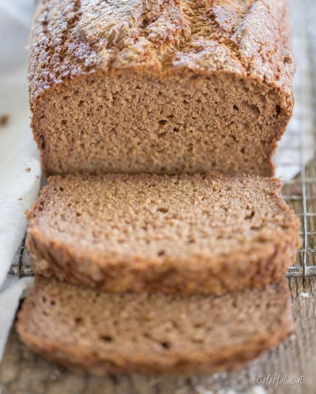 Grain-free cinnamon spice bread. ❤️🍞 We're absolutely in love with this Paleo-friendly recipe by @caroline__potter. It's the best thing since sliced bread! 😉 We just published a new article for 11 Homemade Paleo Bread Recipes That Taste Like The Real Thing. Link in bio!