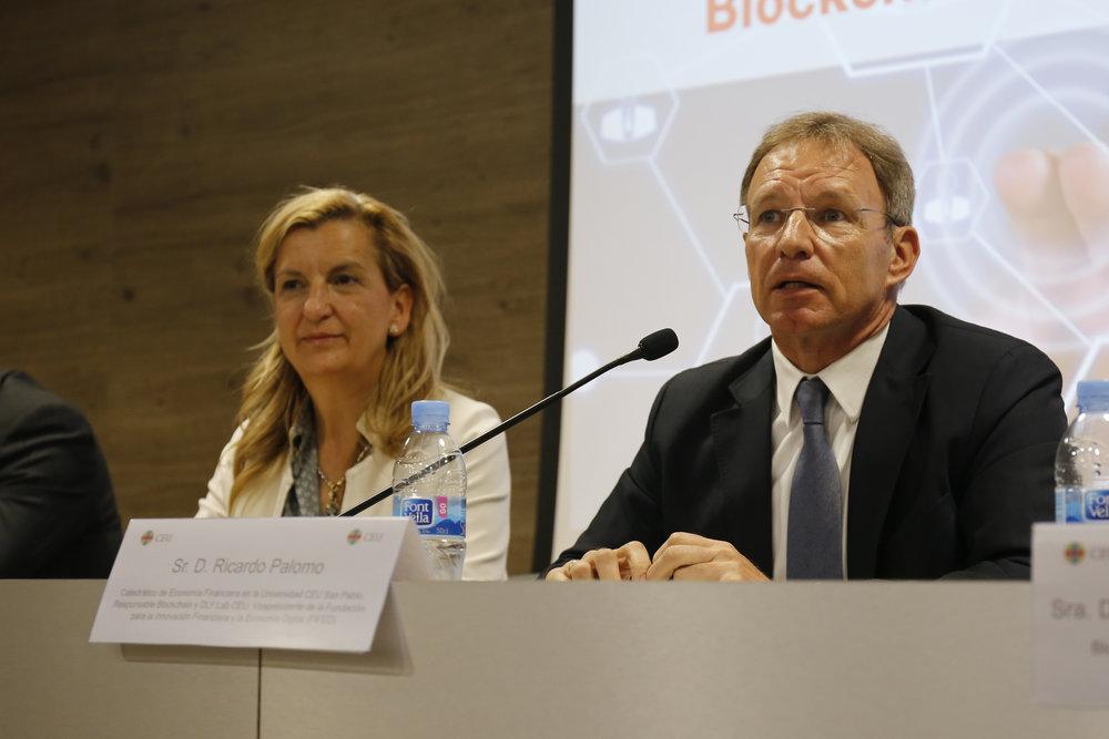De izquierda a derecha, María Parga, vicepresidenta de Alastria y consejera de FIFED, y Ricardo Palomo, vicepresidente de FIFED.