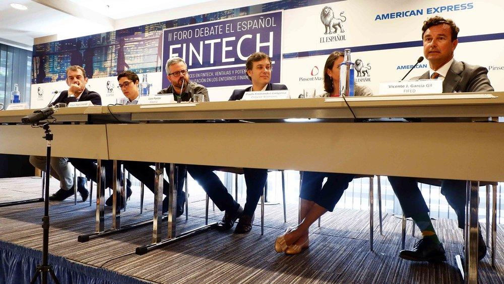García Gil, a la derecha, junto a representantes de Pinsent Masons y Alastria, entre otros.