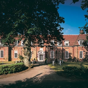 Amesbury School is a co-educational independent prep school in the Hindhead/Haslemere area educating pupils between the ages of 2 to 13. Founded in 1870, Amesbury is the oldest preparatory school in the Farnham/Hindhead/Haslemere area