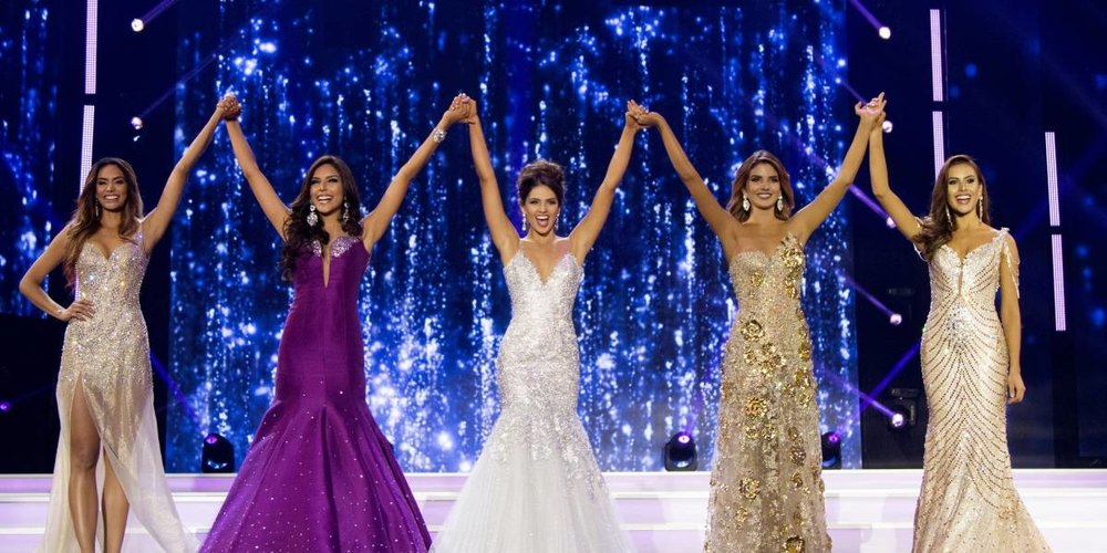 Antioquia (Virreina), Cartagena (Winner), Magdalena (3rd runner-up), Bogota (4th runner-up) and Santander (2nd runner-up) during the Señorita Colombia held last March in Cartagena.