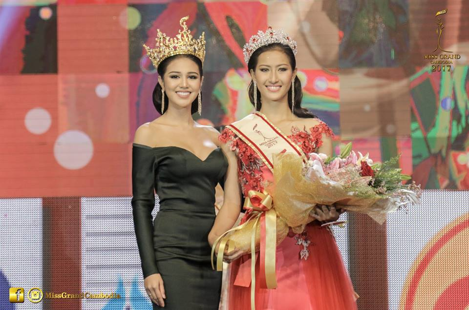 Reigning Miss Grand International Ariska Putri Pertiwii with newly crowned Miss Grand Cambodia Khloem Srey Kea