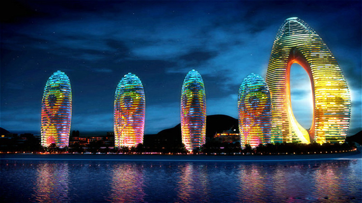 The contestants will stay at the impressive Phoenix Island Resort in Sanya