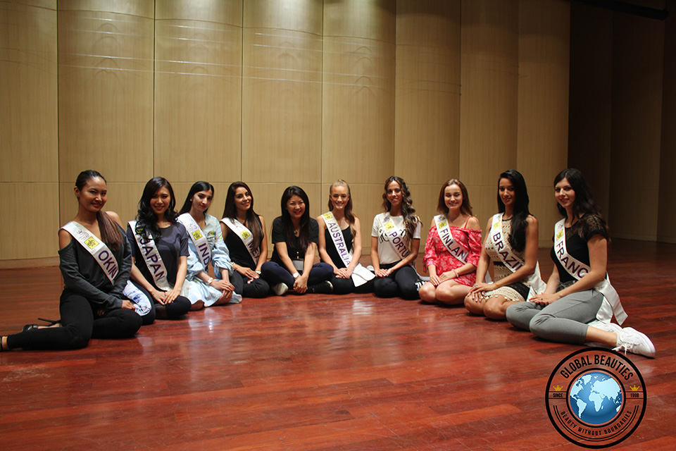Angela Tay, Managing Director of Miss Tourism Queen International with the 9 contestant that were always punctual