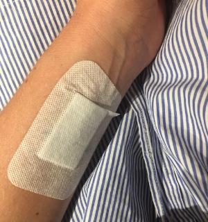 Hur jag dolde min tatuering som är ett japanskt tecken. Ingen hade antagligen brytt sig om det, men jag kände mig så otroligt larvig, så ett plåster över gjorde mig mycket mer bekväm.