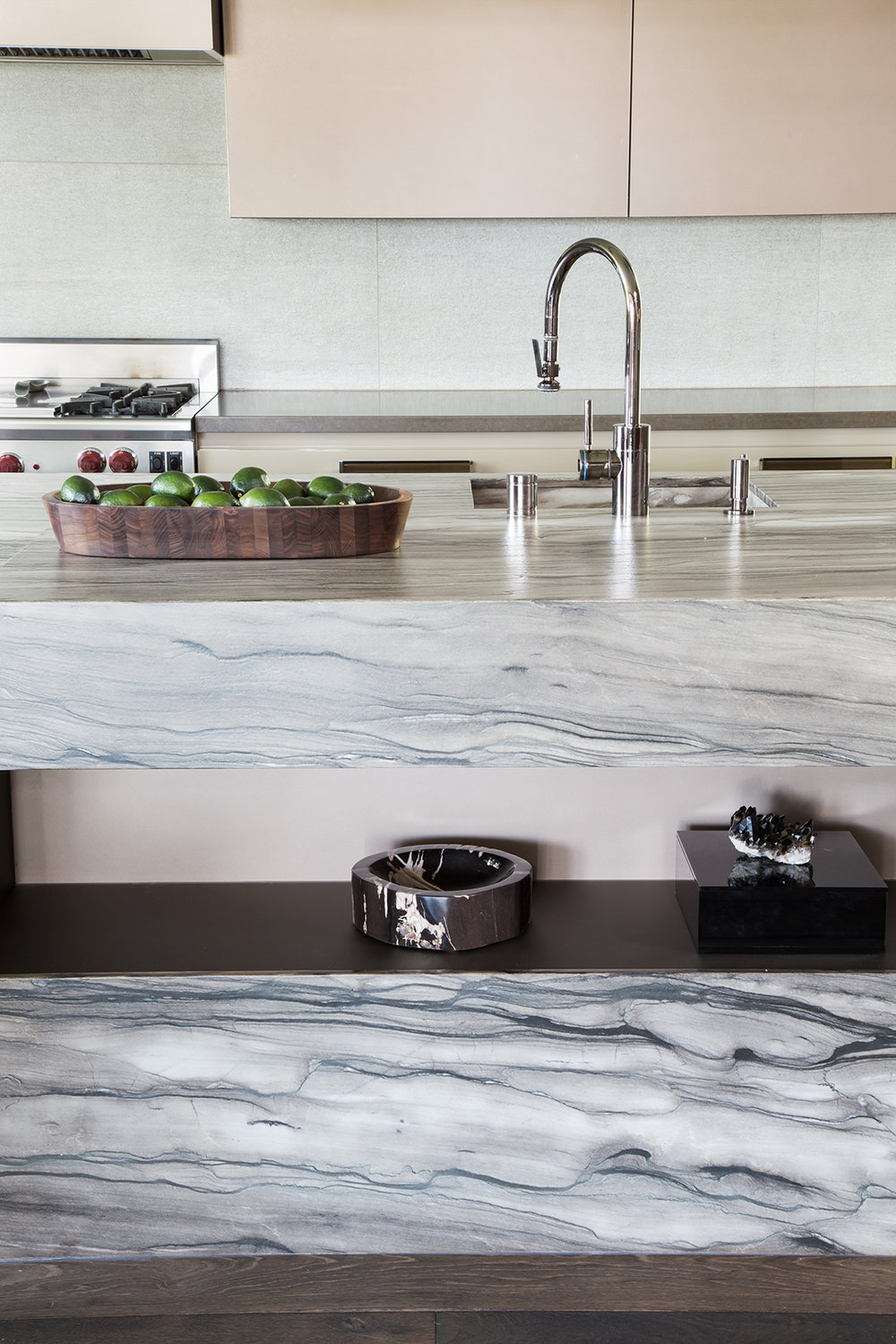 3_CooperPacific_belairN_KitchenSinkDetail_V1_WEB.jpg