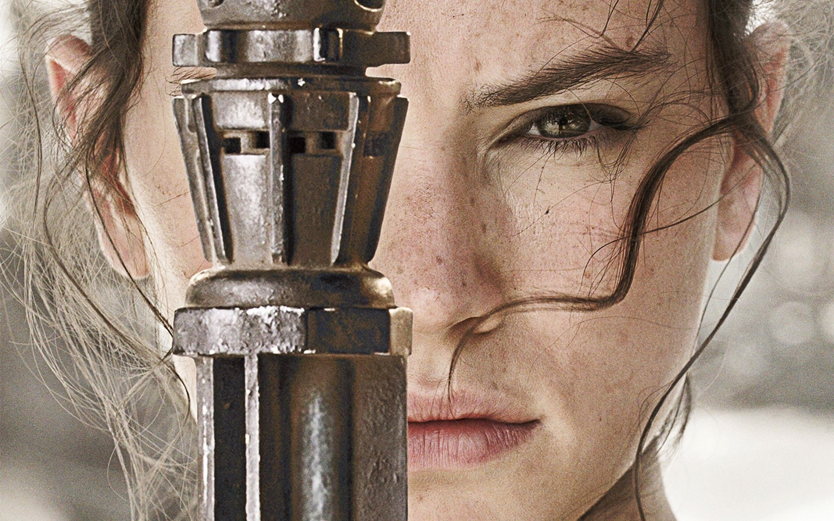 daisy_ridley_as_rey_star_wars_the_force_awakens-1680x1050