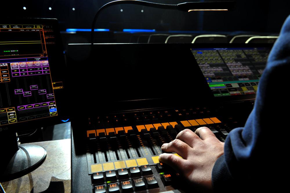 technicien lumiere électro