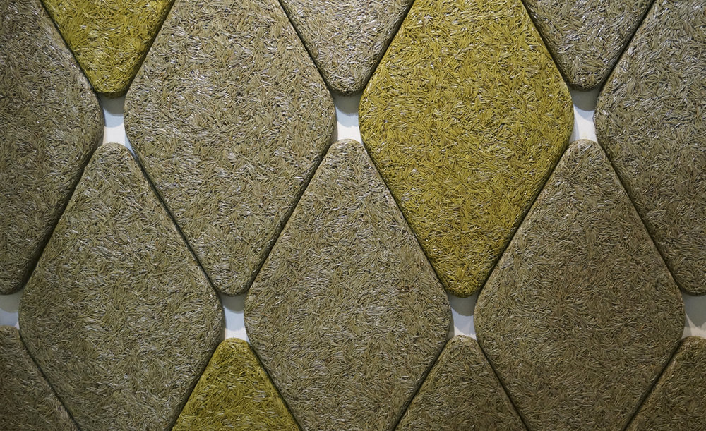 Diamond-shaped wall panels / download high-res