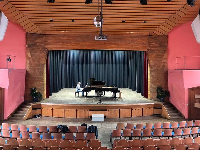 Getting ready with two concert pianos for our benefit concert for @bestbuddiesgermany with Lukas Rommelspacher!
