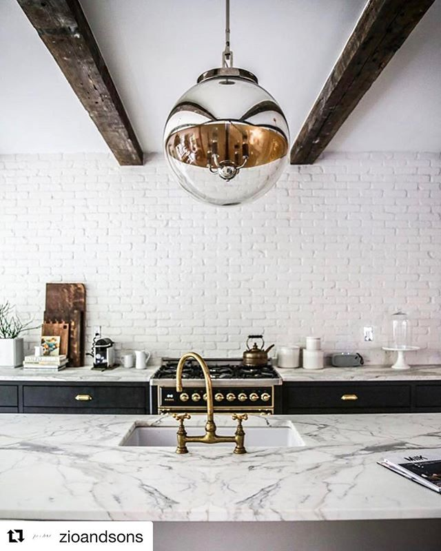 Kitchen inspiration...white brick + white marble + gold accents ▫️▫️▫️ Follow us on Pinterest (BILDdevelopment) for home inspiration and tips.