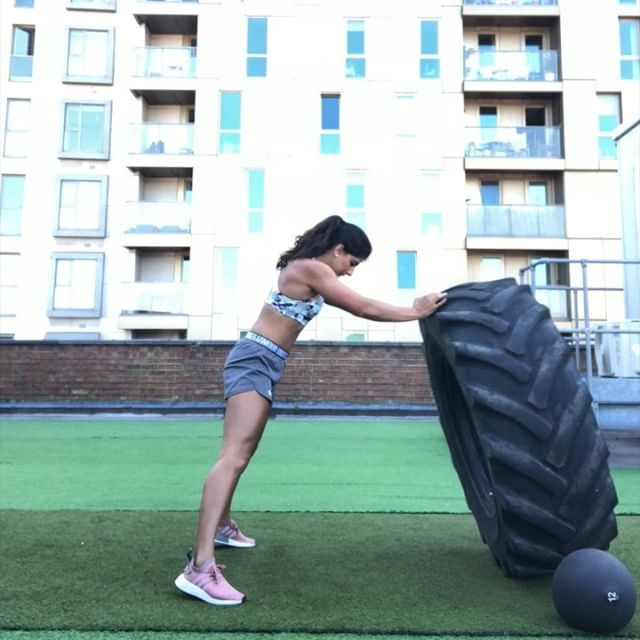 Tyres aren't just for flipping! Repost @gchopra_thefitlife: *Swipe*👈- FIVE effective full body exercises you can do with a tyre WITHOUT flipping it! 💁🏽♀️🍩💪 - 1️⃣ Squat press with calf raise 2️⃣ Deadlift with calf raise 3️⃣ Weighted sit up & press 4️⃣ Squat jumps 5️⃣ Plyo push ups with a clap - Three rounds of 10 reps on each and I was DONE 💦 - I've had SUCH a productive day at my @londonrooftopgym! 🌆🤗 I'm always looking at ways to improve it, and it feels so amazing to be able to slowly mould it into my own version of an epic space that I can share with everyone! 😍 - Those who have been asking, I'll be getting some more bootcamp dates in soon (towards end of August) so keep an eye out! 😊💪 ••••••••••••••••••••••••••••••••••••••••••• #functionaltraining #tyreworkout #workoutvideo #londonrooftopgym #rooftopvibes @fitgirlvideos