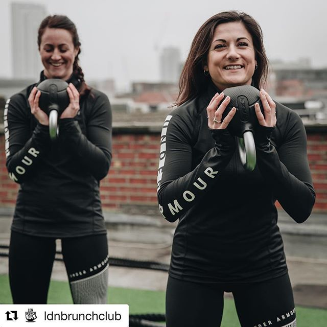 Great to have @ldnbrunchclub down at @londonrooftopgym expressing the importance of weight training with running! 💪🏃‍♂️ Repost: ・・・ Whether indoor or outdoor, we've always incorporated strength and conditioning into our training. Not just for injury prevention but to help us become stronger and more efficient as runners. 👕💧 Weather protected - Wearing @underarmouruk ColdGear Baselayer (Womens) and Storm Cyclone (Mens). #LDNBrunchClub #WeWill #WinterTraining #Training #Strength #Conditioning #WednesdayWorkout #WorkoutWednesday