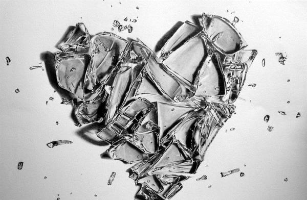 broken-n-cracked-ice-hearts.jpg