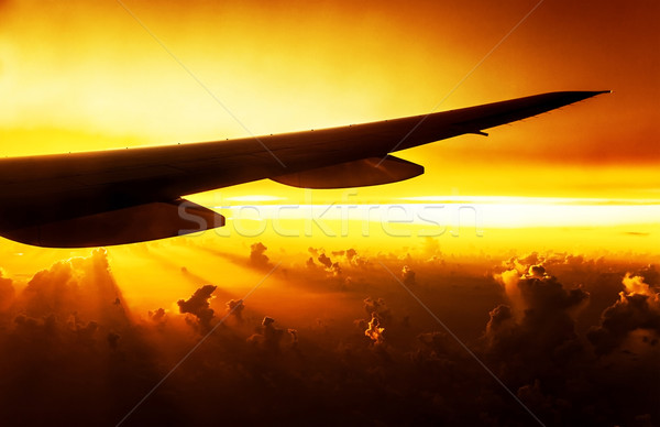 2337640_stock-photo-airplane-on-sunset.jpg
