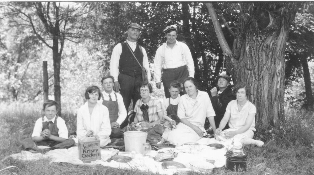 Lewerer Family Picnic Taken in late 1920's