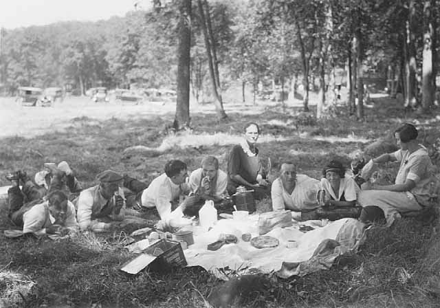 Lewerer Family Picnic with John Runk, 1925. Photo from Allen Lewerer Family Archive Photos, 2018.