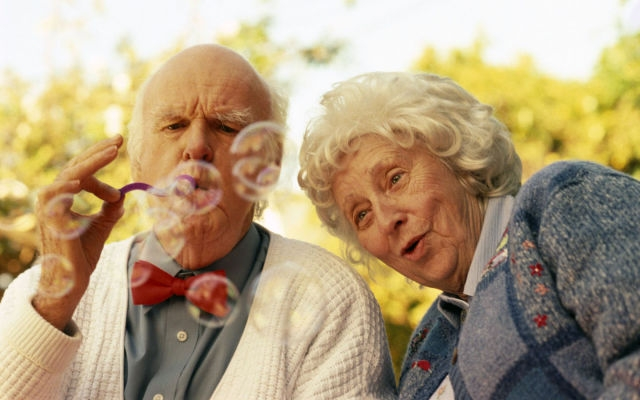 old_couples_in_love_are_so_cute_640_16.jpg