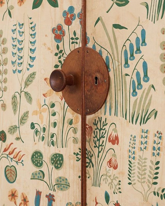 Contemplating trying to upholster a wardrobe 🌿🌼🍂