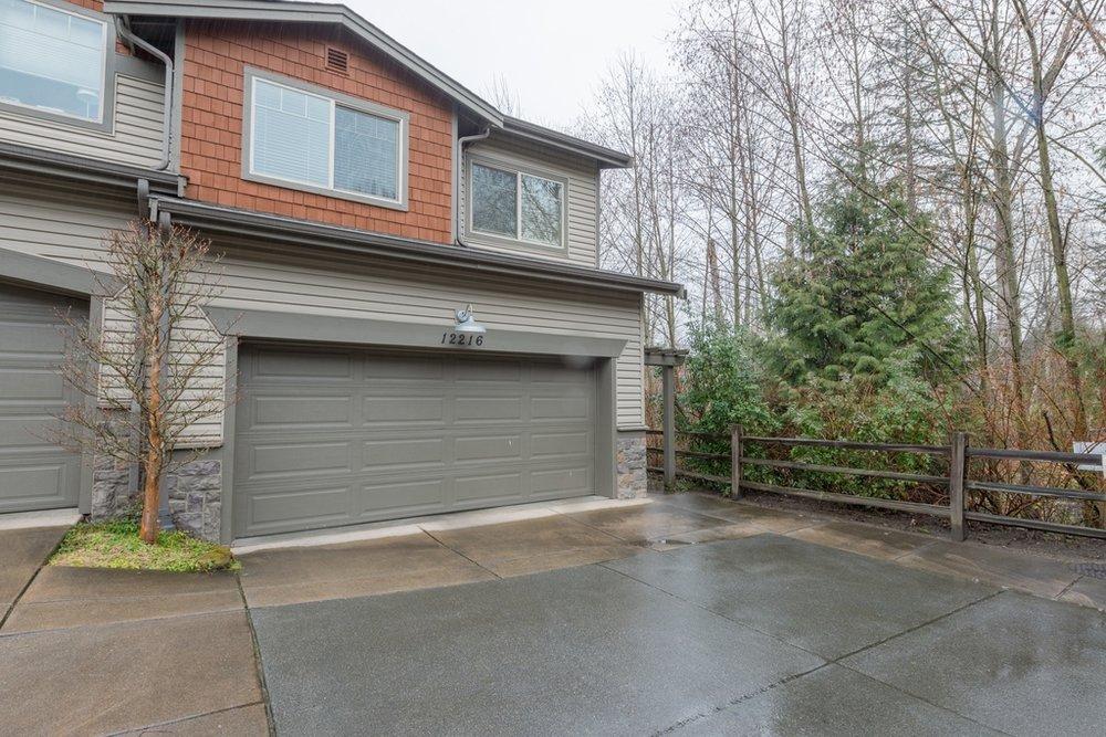 $688,000 - 12216 NE 103rd Lane B-4, Kirkland, WA 98033