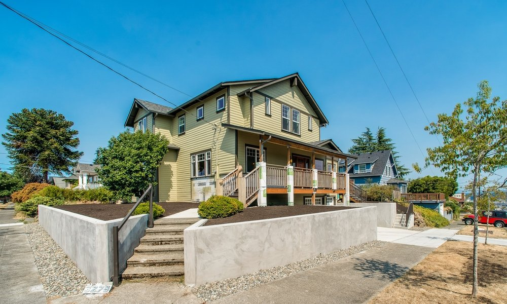 $894,000 - 3278 38th Ave SW Seattle, WA 98126