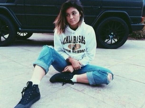 82vp6u-l-610x610-kylie+jenner-calabasas+high+school-junper-shoes.jpg
