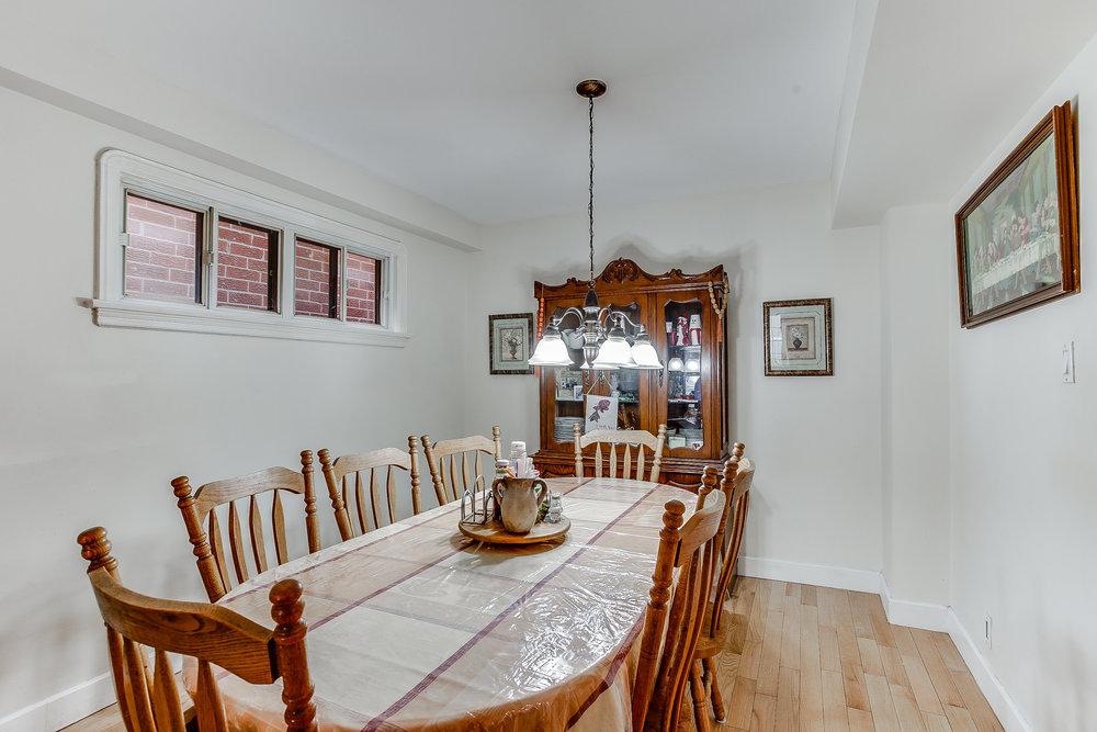 11_diningroom1.jpg