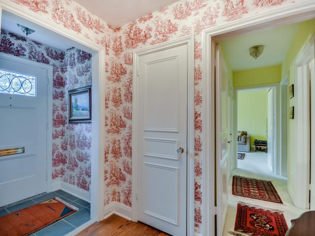 10_foyer1.jpg