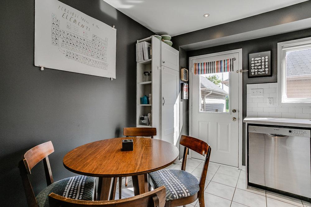 10_kitchen1.jpg