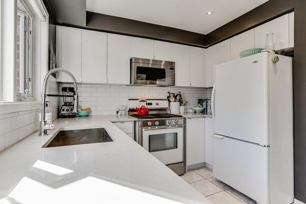 12_kitchen3.jpg