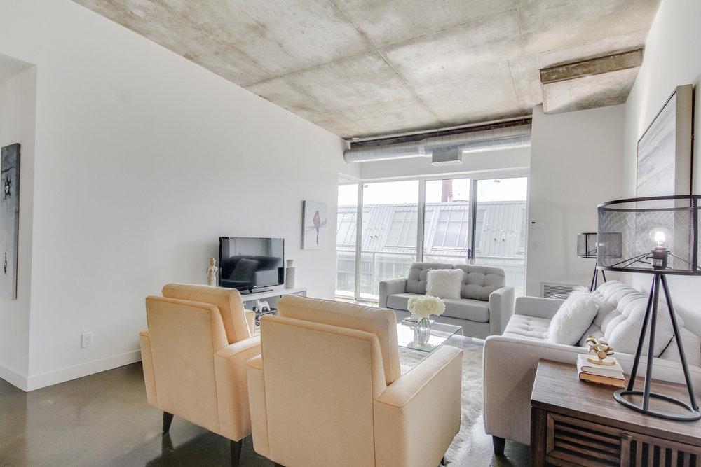 10_livingroom2.jpg