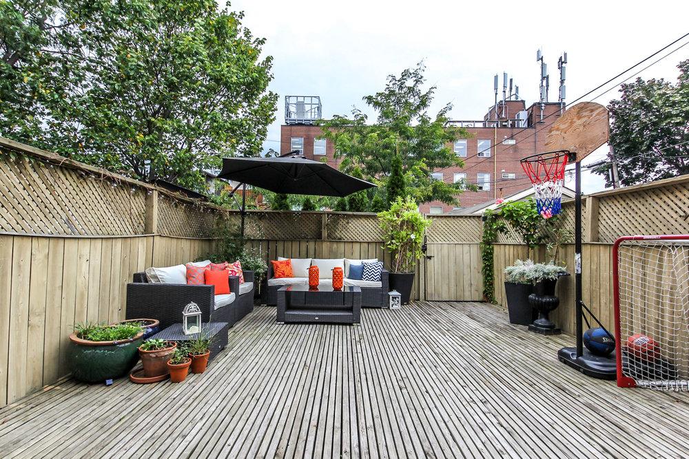 45_backyard2.jpg