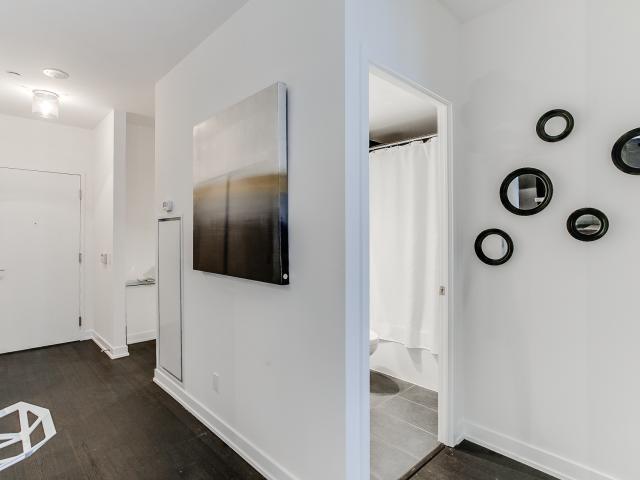 07_hallway1.jpg