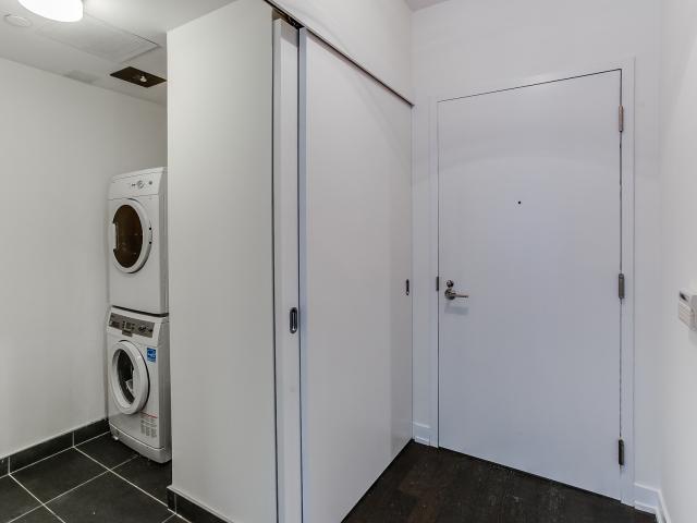 33_laundryroom1.jpg