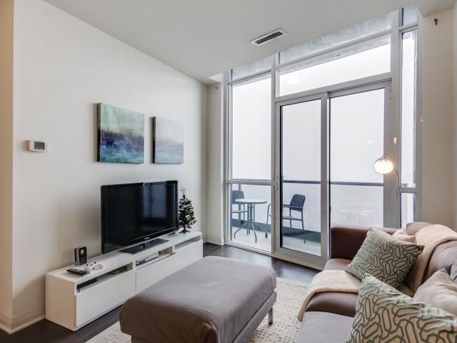 10_livingroom3.jpg
