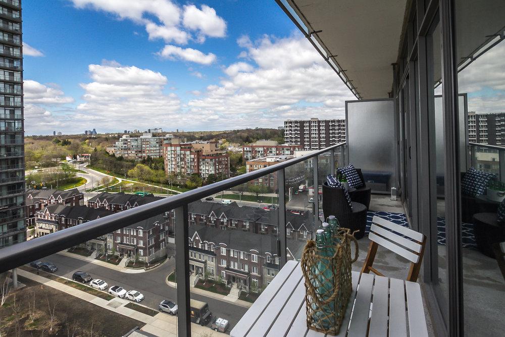 25_balcony1.jpg