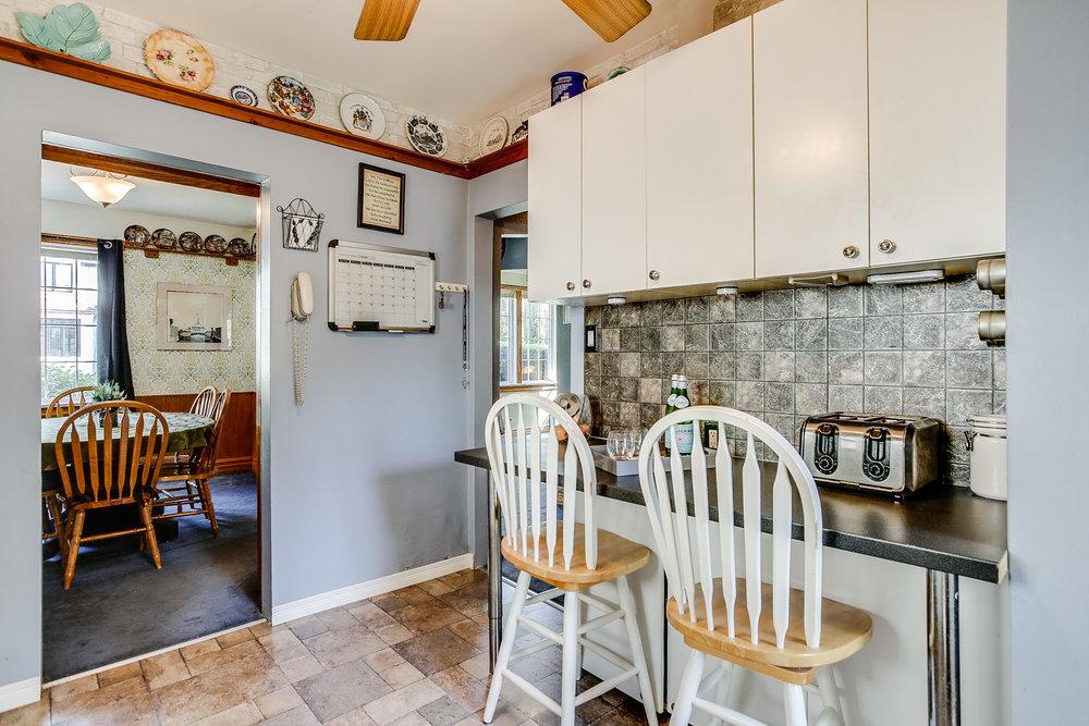 14_kitchen2.jpg