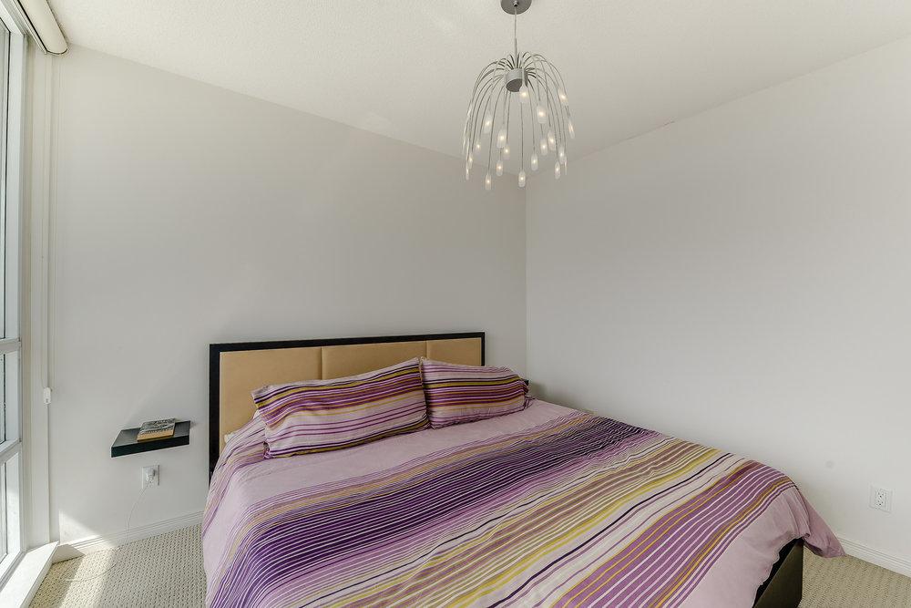 24_master_bedroom1.jpg