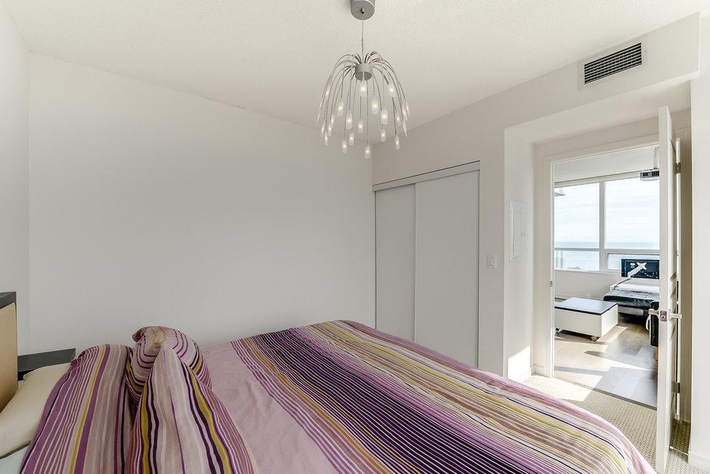 26_master_bedroom3.jpg