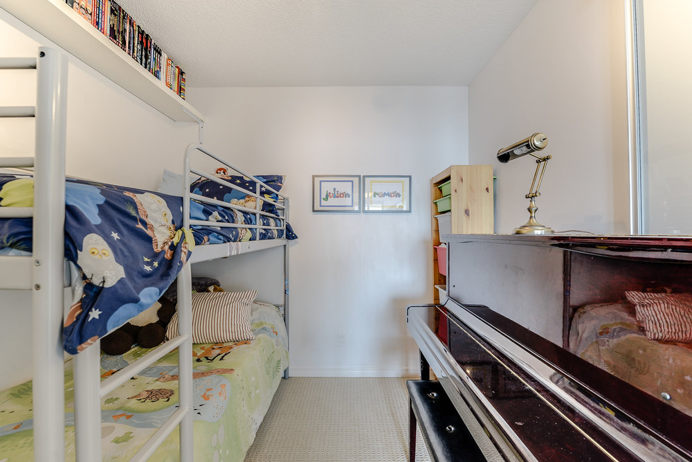 28_second_bedroom1.jpg
