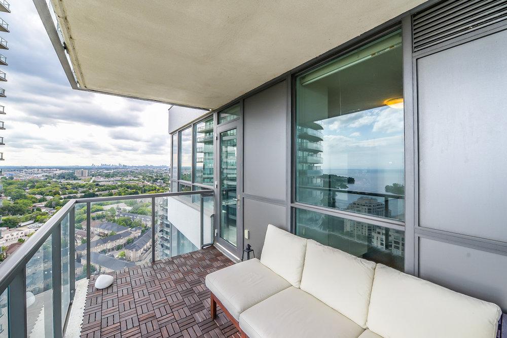 34_balcony3.jpg