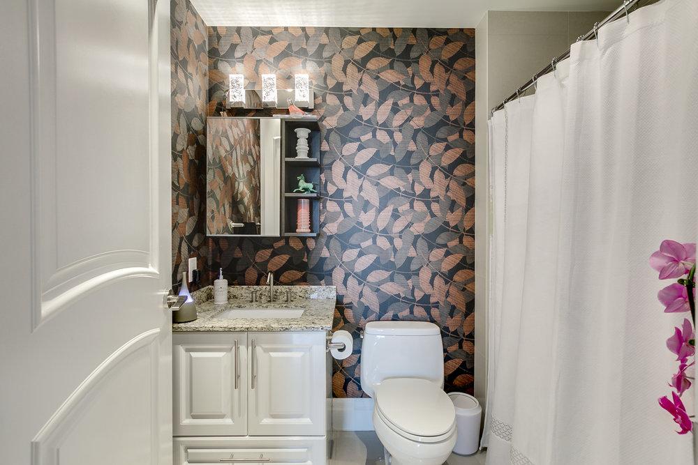 47_bathroom1.jpg