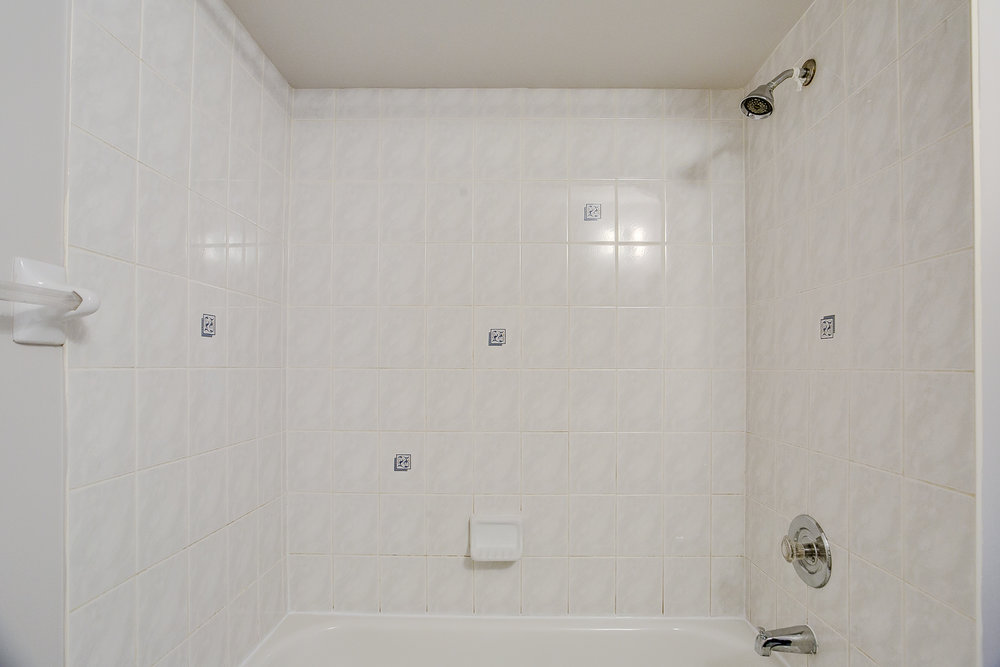 38_bathroom2.jpg