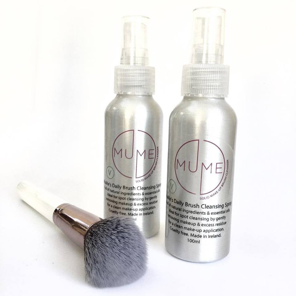 mume Daily cleansing spray - Ideal for daily spot cleaning by gently removing makeup and excess residue for a clean makeup application. 100mlCruelty free – PETA approved.Vegan.Travel friendly.Suitable for all types of makeup brushes.Naturally antibacterialNo nasty stuff – made from good quality natural ingredients. RRP: €13.50