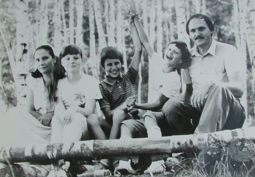 Mit zrika 7 Jahren in den Alataubergen in Almaty, Kasachstan