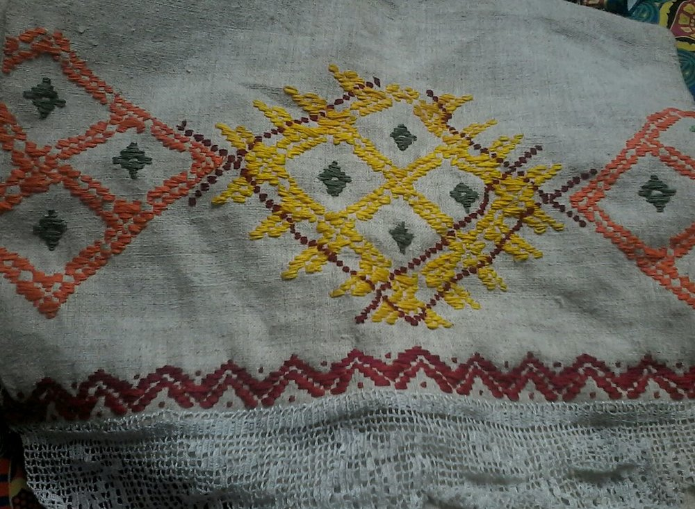 Die erste Reihe meines Schicksaltuches ist fast fertig. Das bestellte Feld mit den Samen....wie passend zum Baumsamen pflanzen;-)