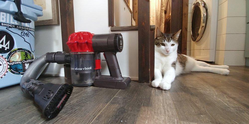 Dyson Car/Boat handheld vacuum tiny home living cordless vacuum